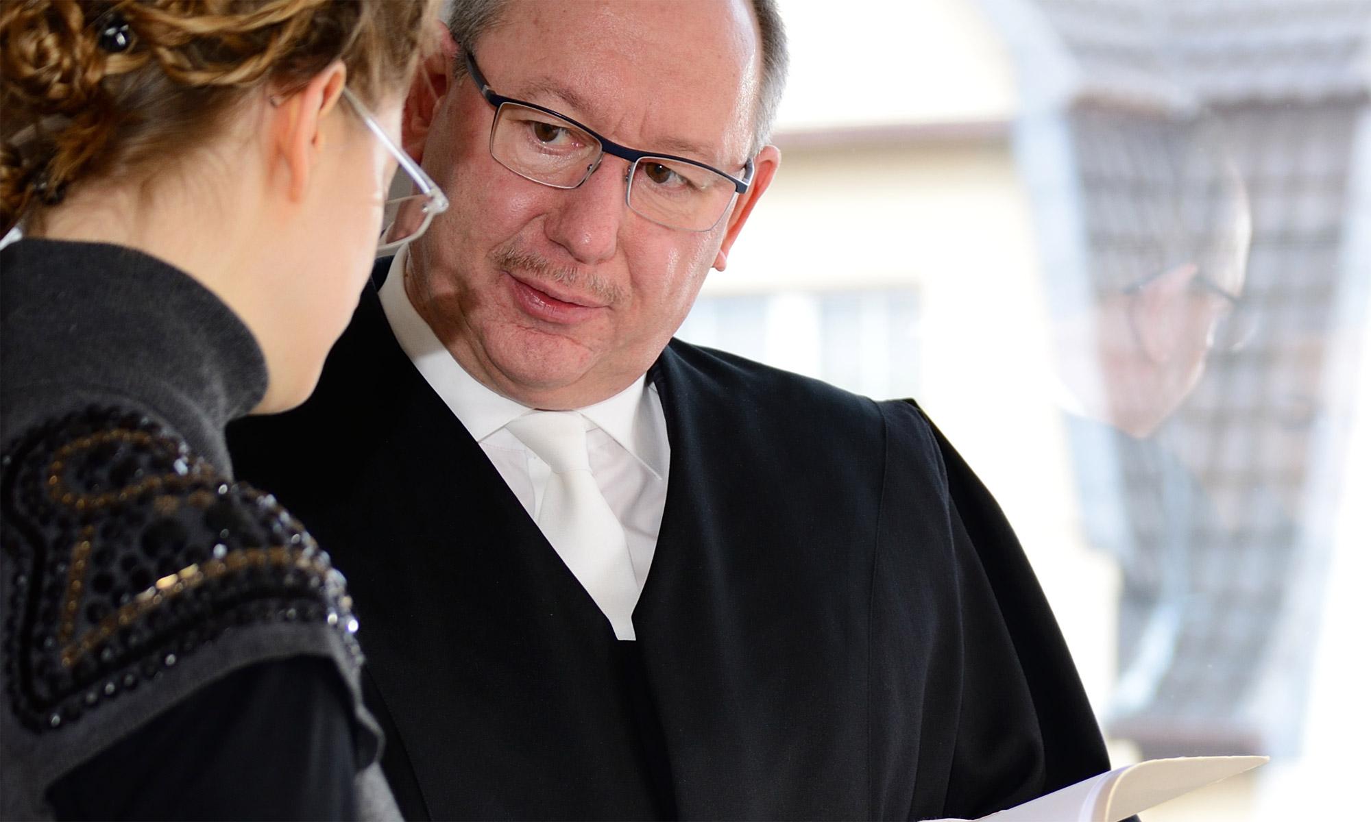 Rechtsberatung, sowie außergerichtliche und gerichtliche Vertretung